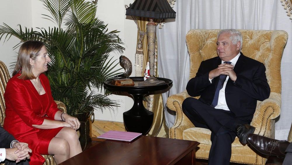 Ana Pastor reunida con Martinelli