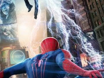 Electro, interpretado por Jamie Foxx, en pleno ataque