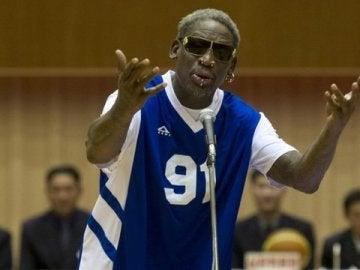 """Dennis Rodman canta el cumpleaños feliz a su """"amigo"""" Kim Jong-un"""
