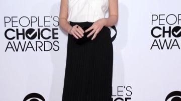 Sarah Michelle Gellar combinando un look 'black & white'