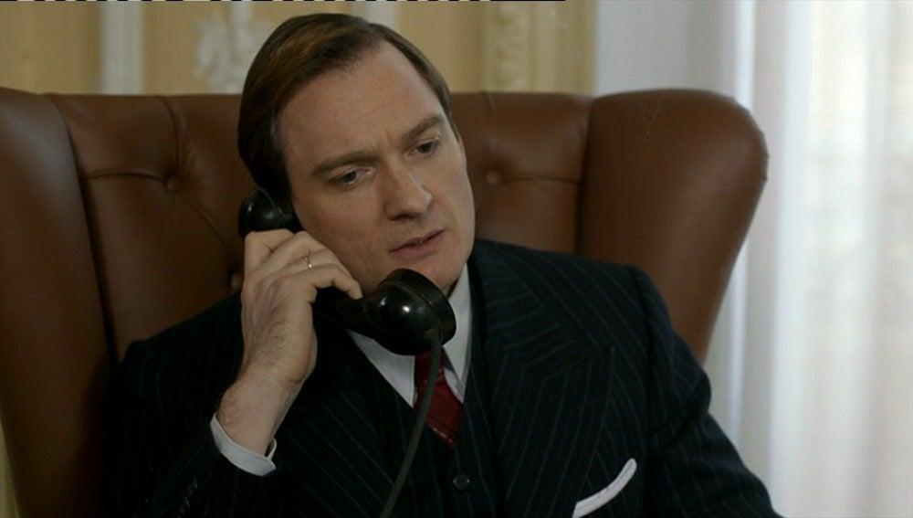 Da Silva quiere hacer un trato con Hillgarth, el microfilm por la espía