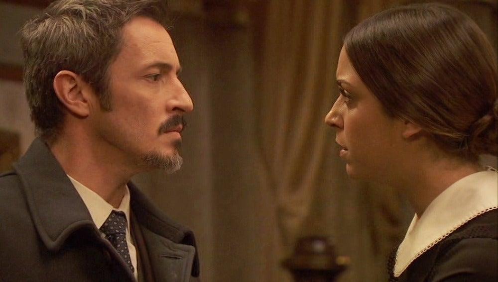 Alfonso se presenta en la Casona en busca de alguna explicación