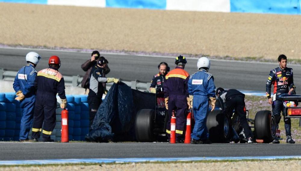 El RB10 de Ricciardo, en problemas