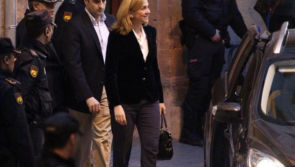 La infanta Cristina, a su salida del tribunal de Palma de Mallorca