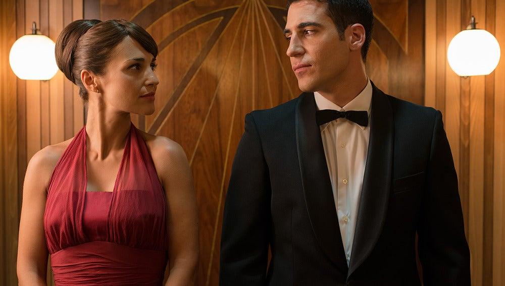 Ana y Alberto se miran con complicidad
