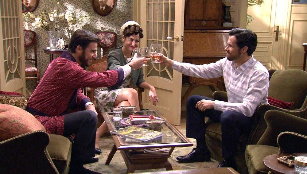 Diego, Elena y Román