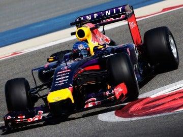 Sebastian Vettel durante la jornada de test en Baréin