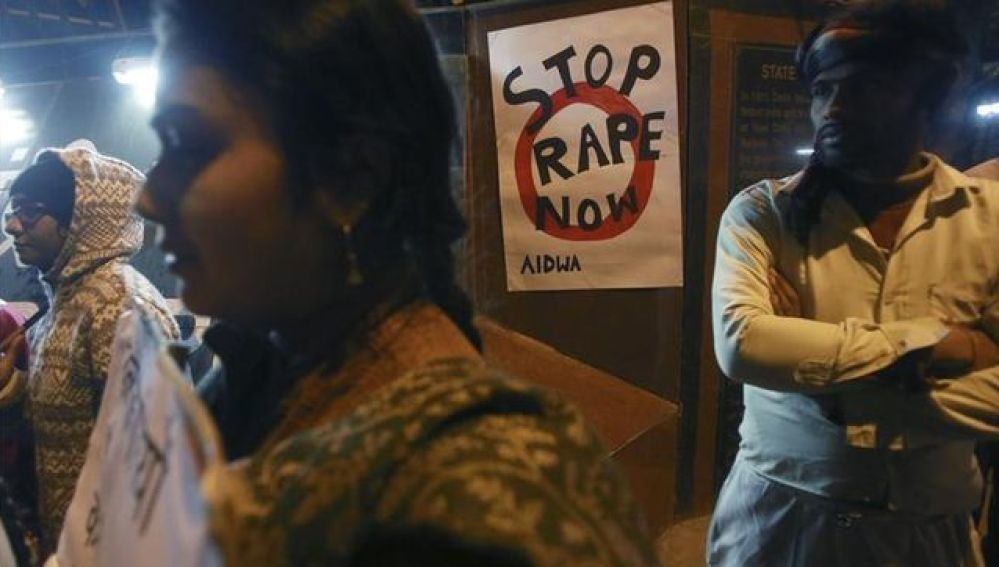 Condenan a muerte tres hombres en la India por secuestro, violación y asesinato