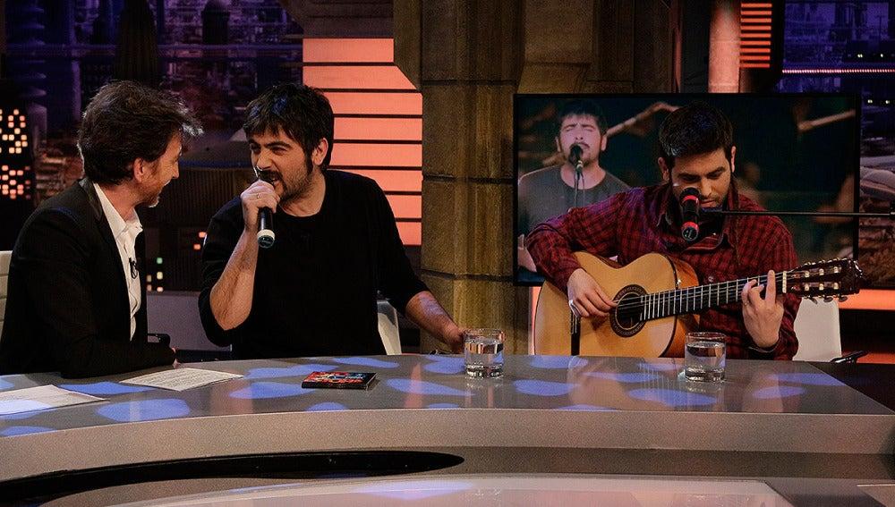 Estopa canta en directo en El Hormiguero 3.0