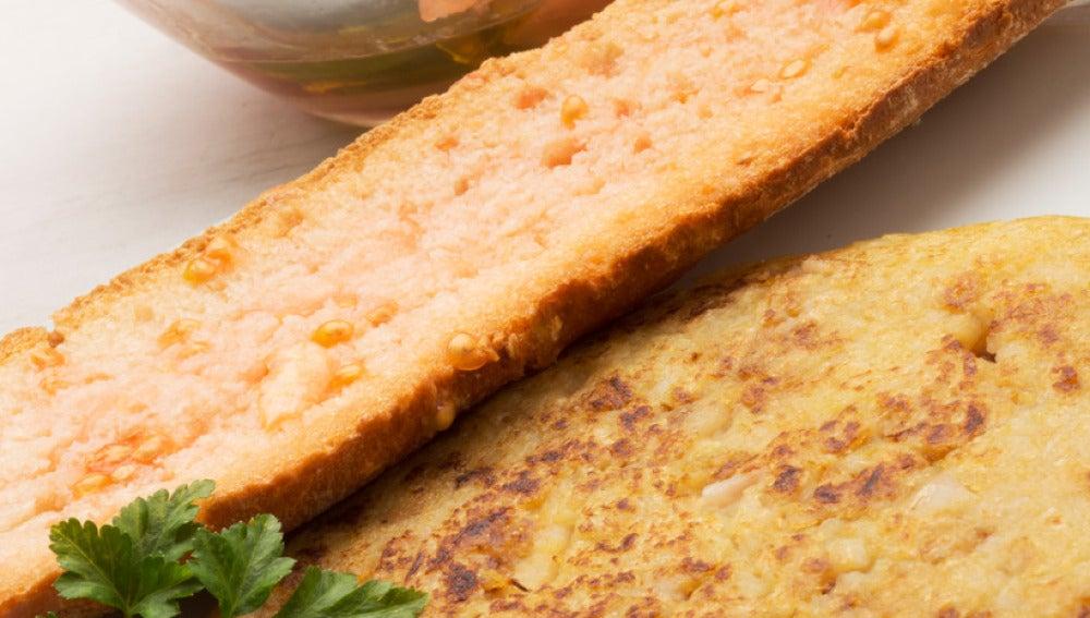 Trinxat con pan tumaca y ensalada