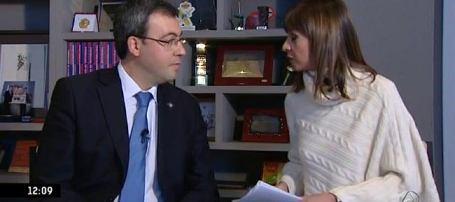 Antena 3 tv el alcalde de alc zar de san juan acusa a la for Ver espejo publico hoy