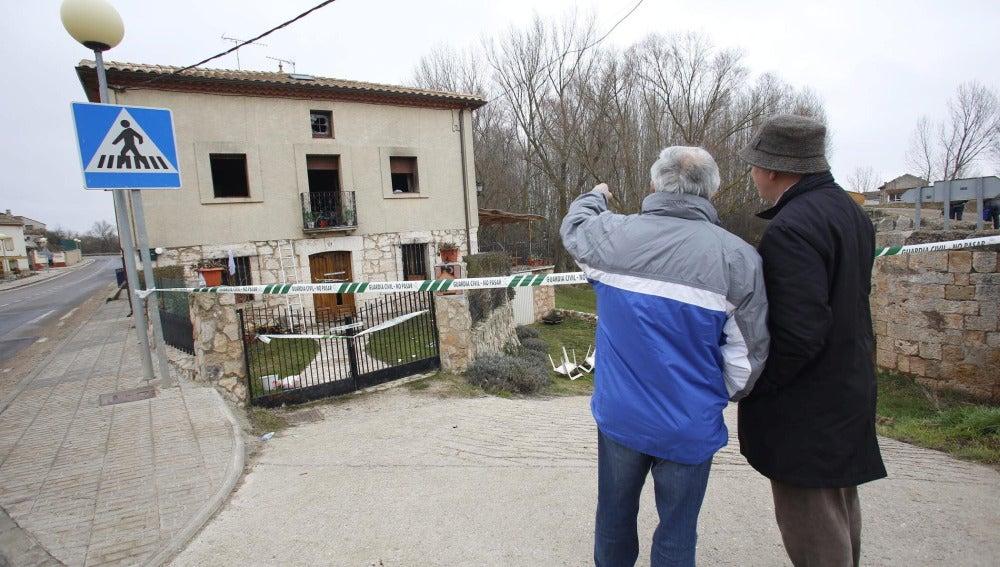 Vista de la casa rural situada en Tordómar (Burgos) en la que se ha producido un incendio