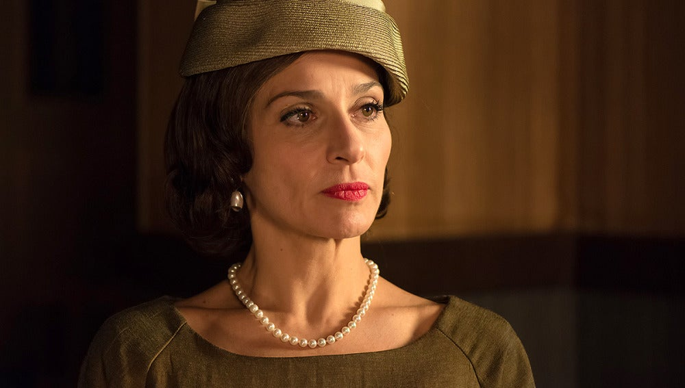 Natalia Millán es Doña Gloria, esconde más de lo que parece....