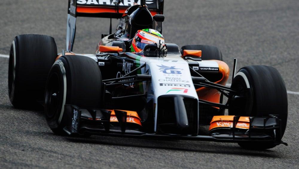 Pérez conduce el Force India en Baréin
