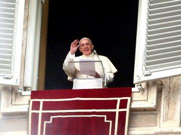 El Papa Francisco, durante el rezo del Angelus