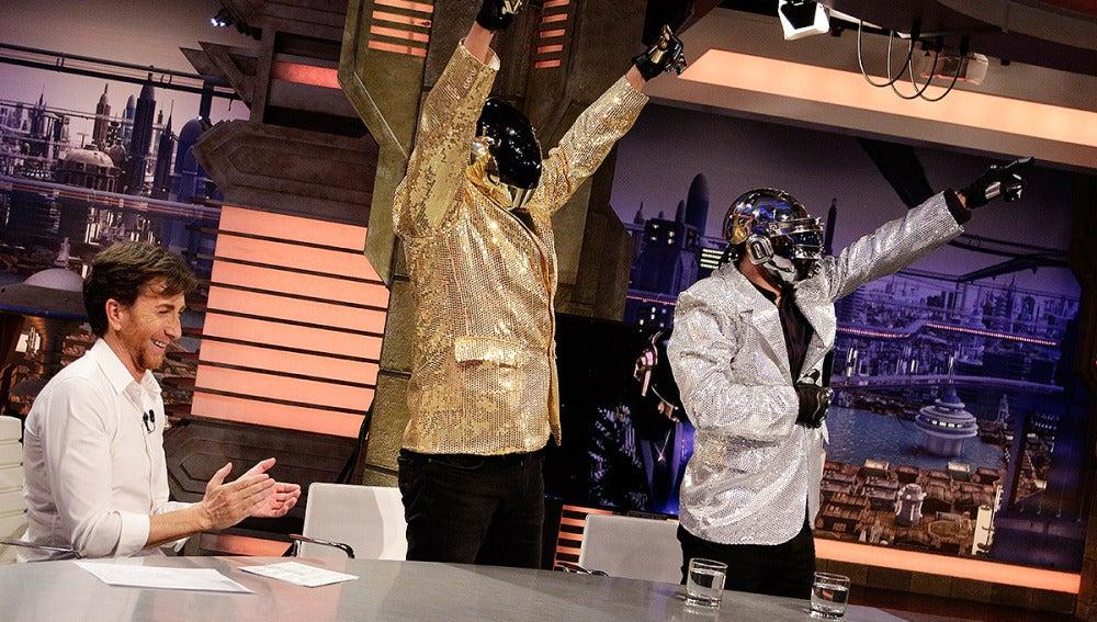Andy y Lucas imitan a Daft Punk