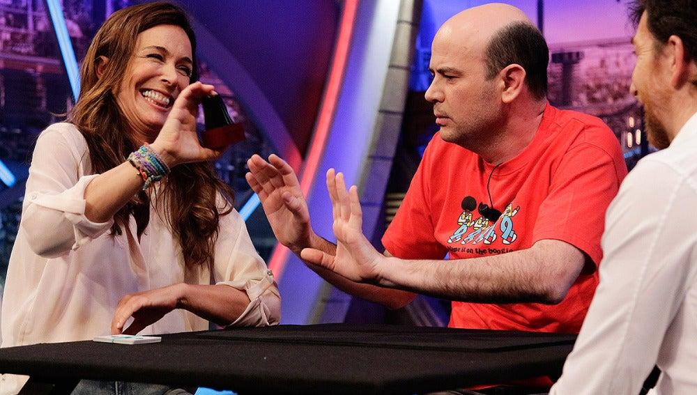 Lydia Bosch con Jandro en El Hormiguero 3.0