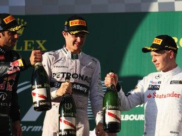 Rosberg, Ricciardo y Magnussen en el podio de Australia