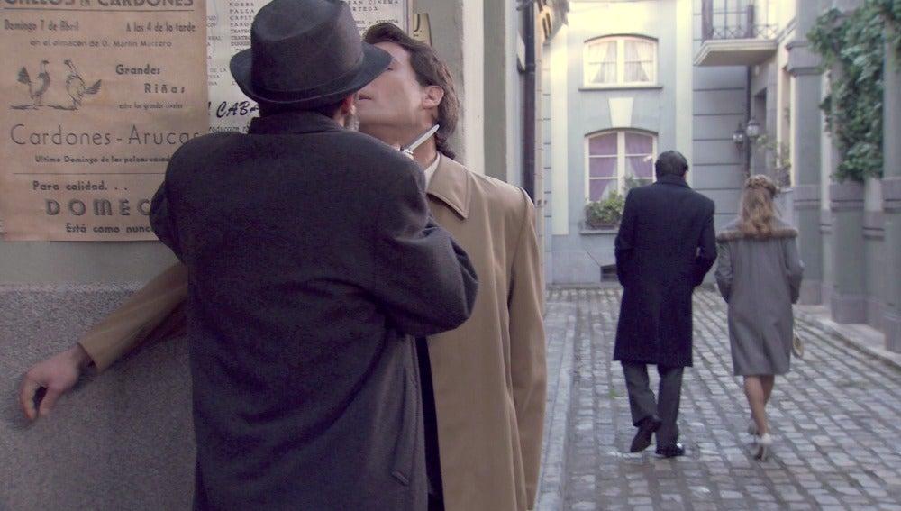 Jero salva a Augusto