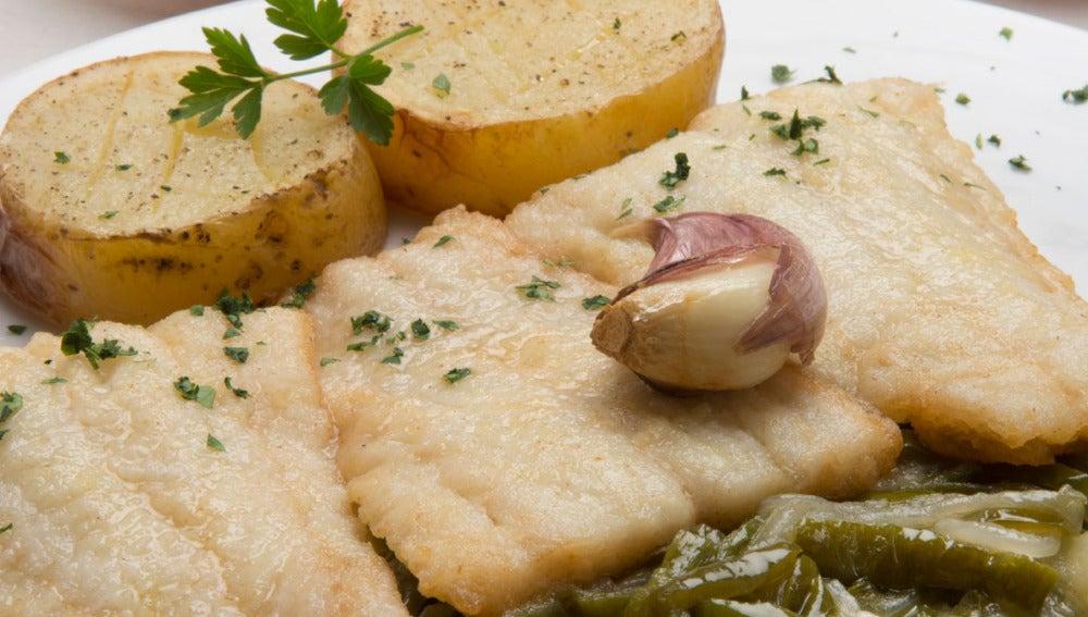 Colitas de bacalao con patatas y fritada