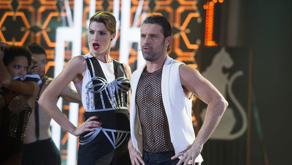 Actuación de David Ascanio y Laura