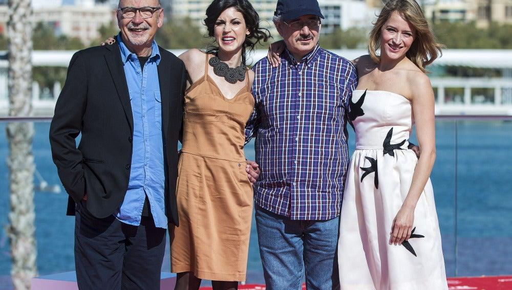 El director Xavier Bermúdez, el actor Ernesto Chao y las actrices Nerea Barros y Marta Larralde