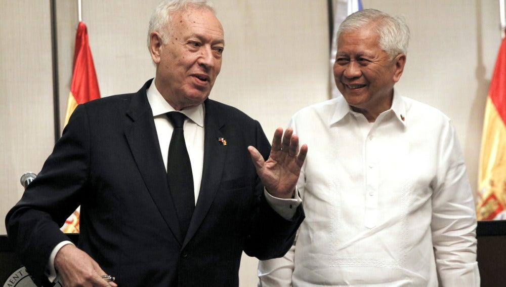 José Manuel García-Margallo y su homólogo filipino
