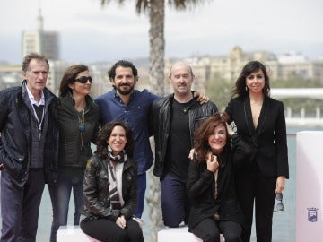 Parte del equipo de 'La Vida Inesperada' durante la presentación en Málaga