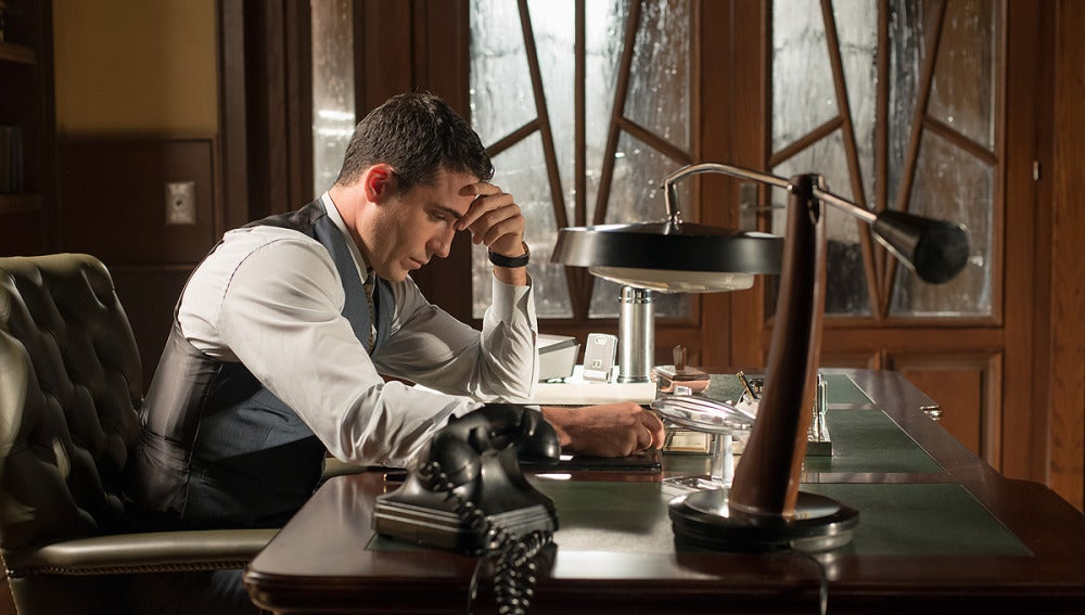 Alberto en su despacho