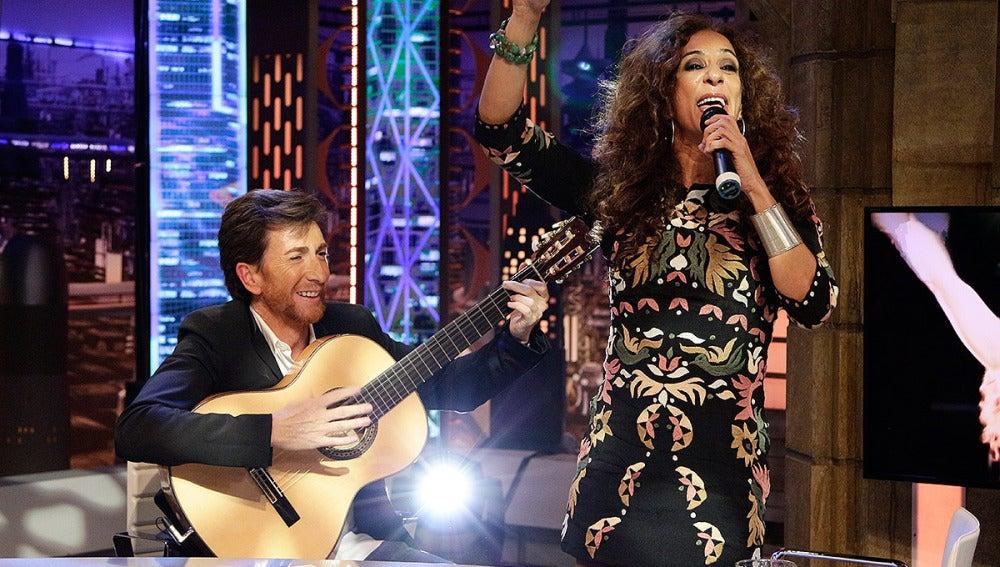 Rosario canta en El Hormiguero 3.0