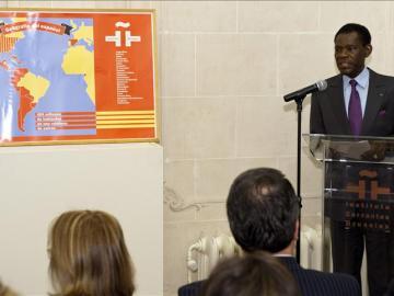 Obiang durante su conferencia en el Instituto Cervantes en Bruselas
