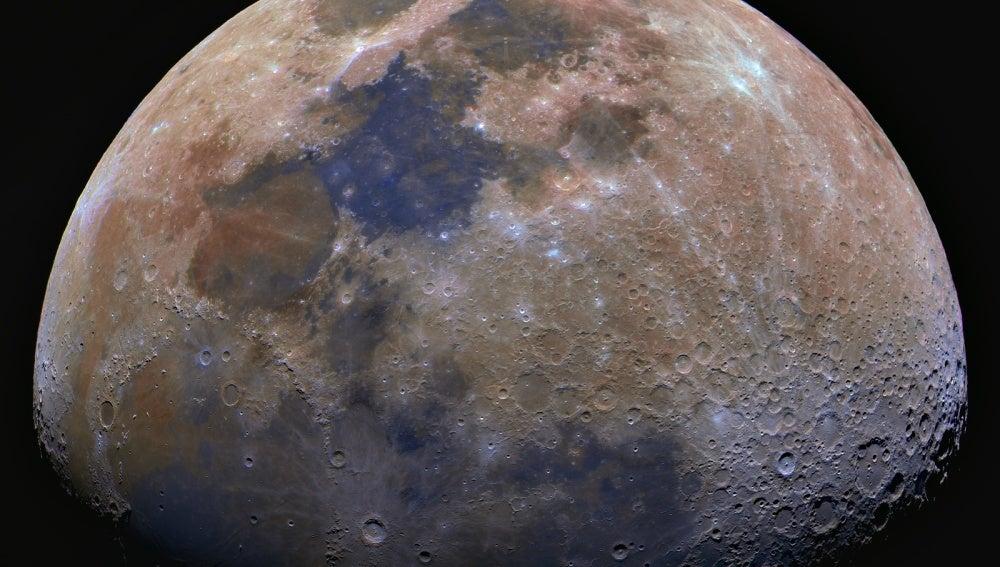 Científicos hallan un reloj geológico que ayuda a determinar la edad de la Luna