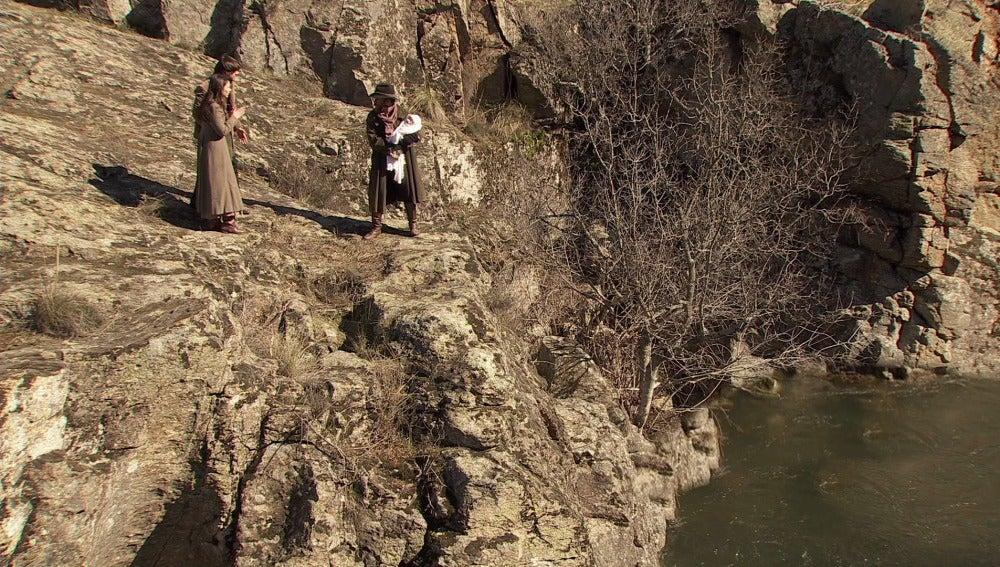 Avance puente viejo, Fernando rapta a Esperanza