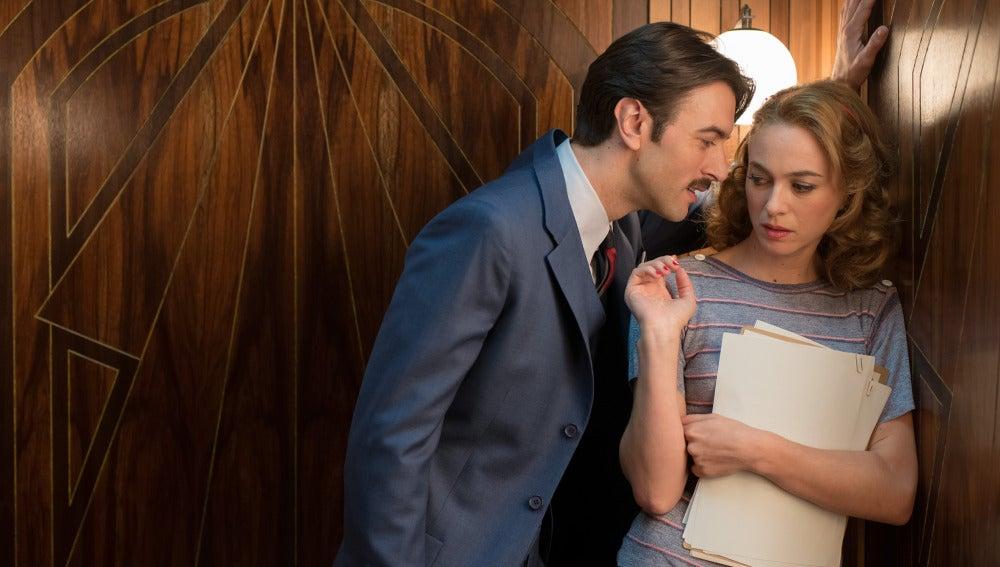 Clara decide alejarse de Mateo