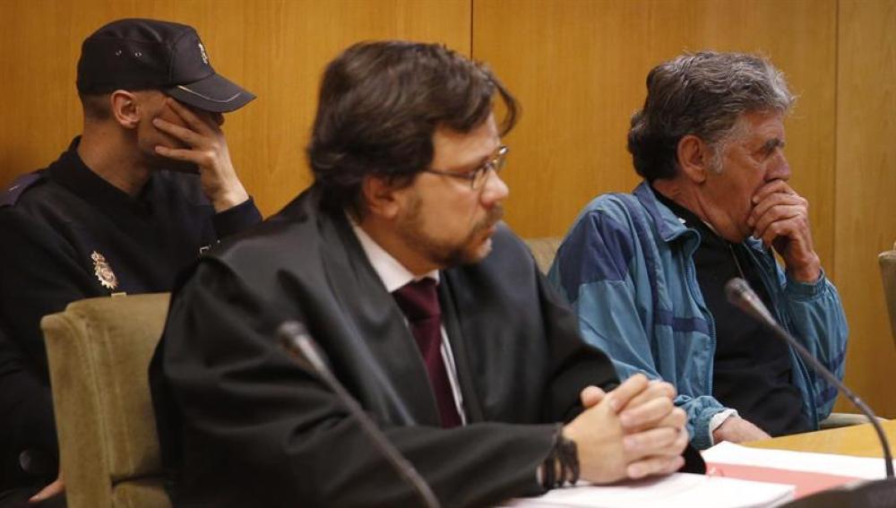 Momento del juicio que se inicia en la Audiencia Provincial contra el falso cura