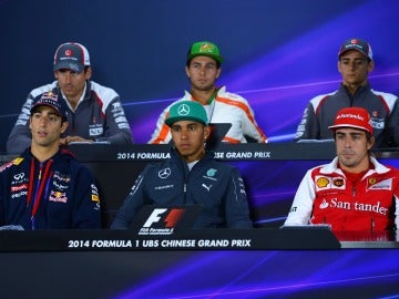 Los pilotos, en la rueda de prensa previa al GP de China