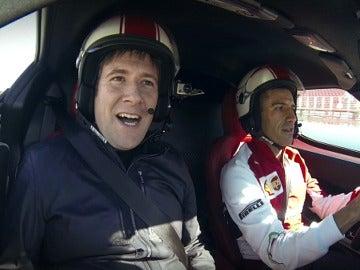 Carlos Latre, junto a Gené en el circuito de Montmeló