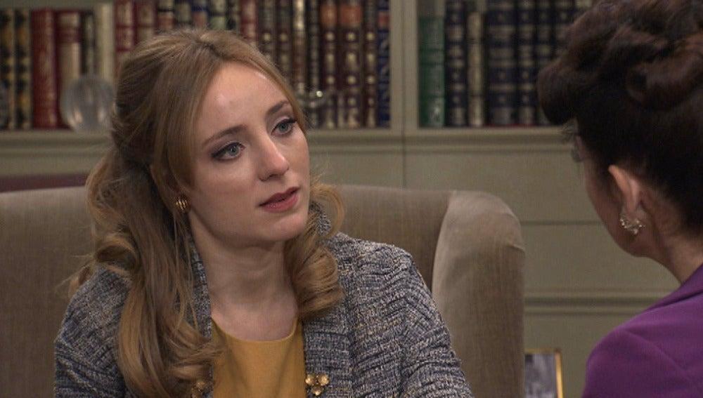 Valeria le pregunta a Elena si está enamorada de Diego