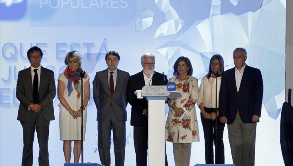 PP guarda en su acto un minuto de silencio por fallecidos accidente Badajoz