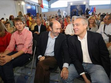 Rubalcaba junto a Pere Navarro