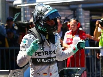 Nico Rosberg festeja su pole