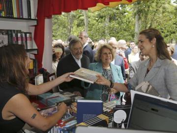 La infanta Elena inauguró la 73 edición de la Feria del Libro de Madrid