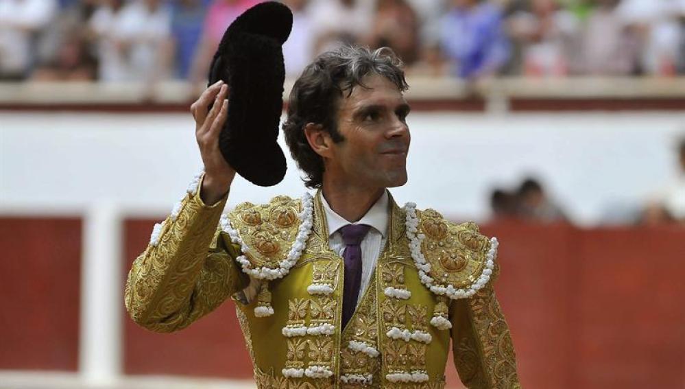 José Tomás saluda en León.