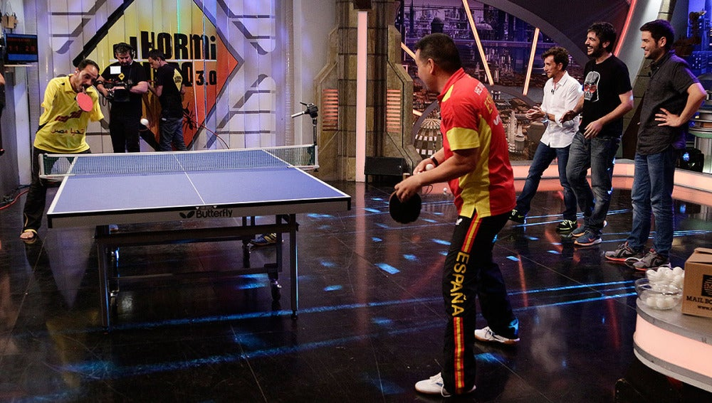 Ibrahim Hamadtou y He Zhi Wen 'Juanito' en El Hormiguero 3.0
