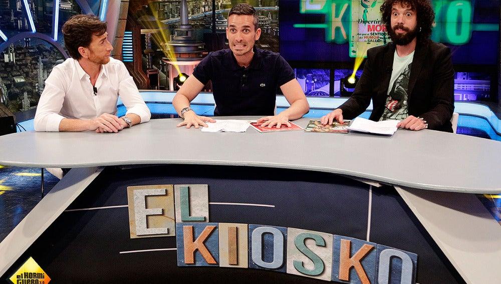 Pablo, Juan y Damián en el Kiosko