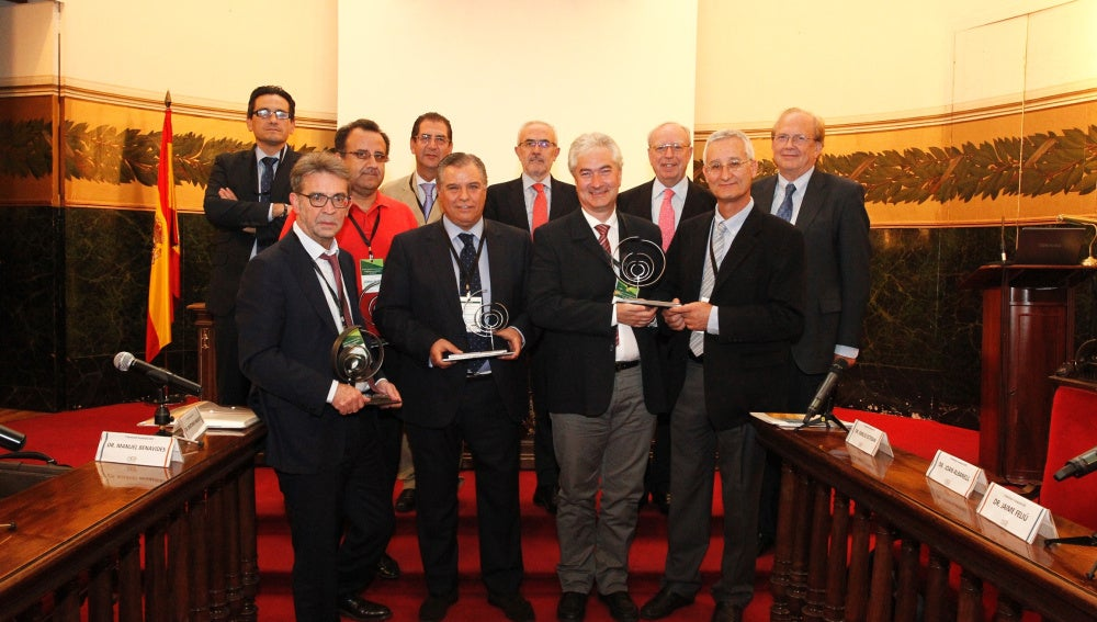 Premiados los doctores Eugenio Santos, Bartolomé Beltrán, Rafael Rosell y Albert Jovell