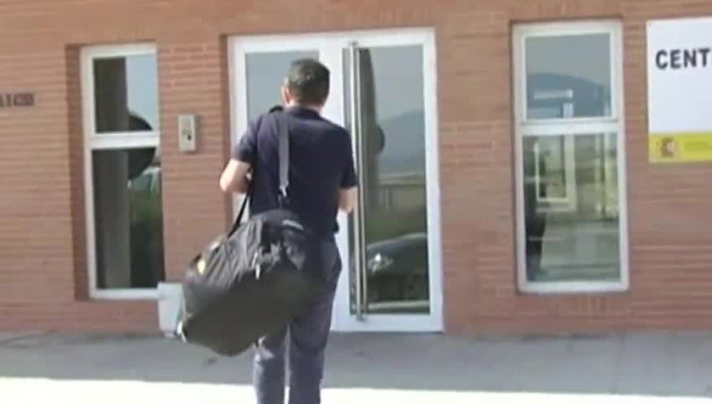 Jaume Matas, entrando en prisión