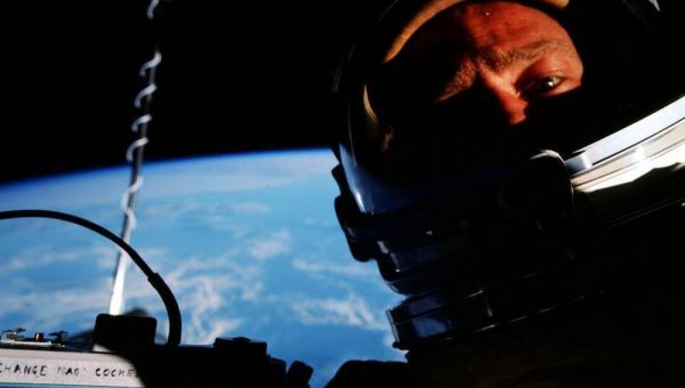 Selfie de Buzz Aldrin en el espacio