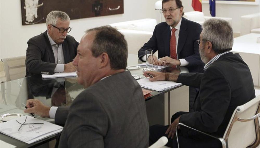 Mariano Rajoy reunido con los sindicatos