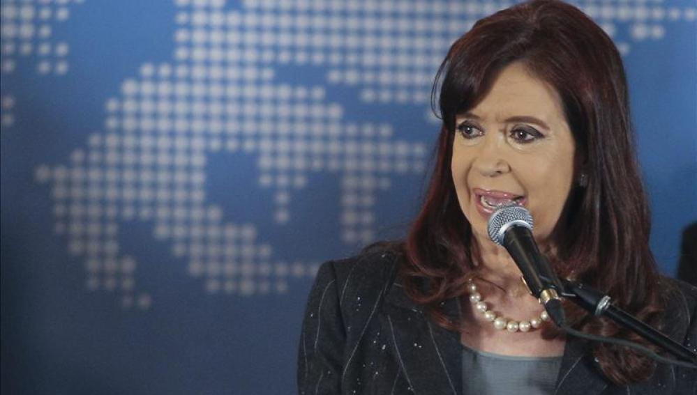 Fernández dice que Argentina no caerá en cese de pagos porque ya pagó